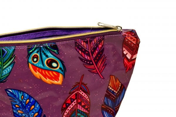 open cosmetic feather bag